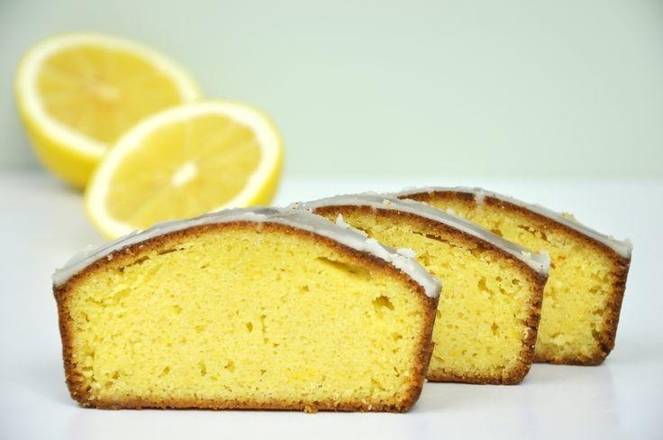 Dietetyczne ciasto cytrynowe bez cukru z fit polewą lukrową [zdrowe słodycze]