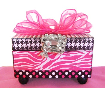 Find This Pin And More On Zebra Room Decoration S By Mackenziet0828.
