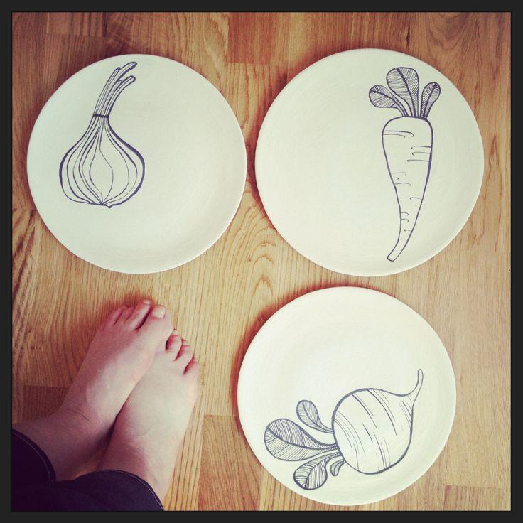 Piatti dipinti a mano serie vegetali by Giorgia Atzeni