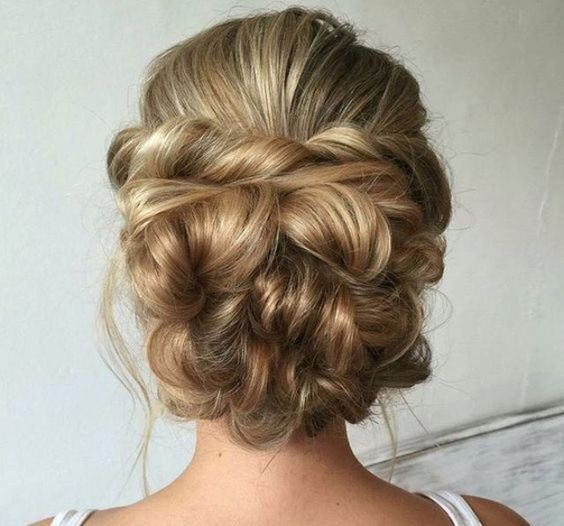 Best Hairstyles for Brides - Messy Bridal Updo- Amazing Hair Styles and Looks for Half Up Medium Styles Updo With Long Hair Short Curls Vintage Looks with Veil Headpieces or With Tiara - Wedding Looks for Girls With Round Faces - Awesome Simple Bridal Style With Headband or Elegant Braided Up Dos - thegoddess.com/hairstyles-for-brides #simpleweddinghairstyles #weddinghairstyleswithbraids #weddinghairstyleswithveil