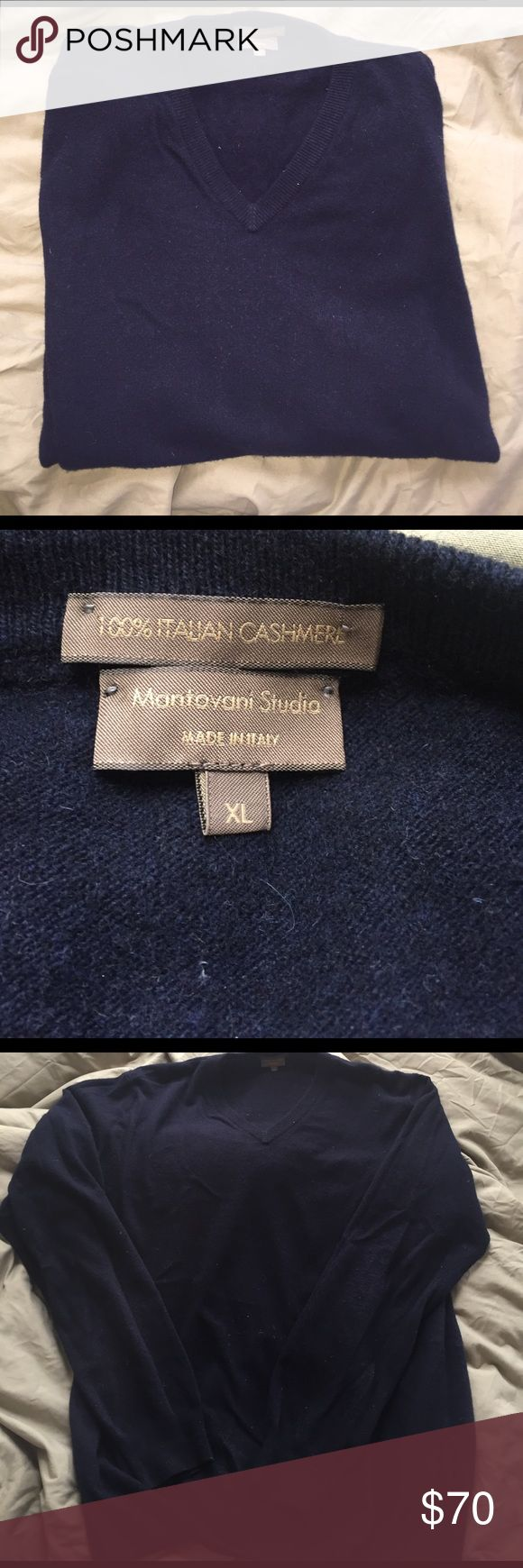 100% Italian navy cashmere sweater Navy blue Cashmere sweater, men's XL. Extremely soft Mantovani Studio Sweaters