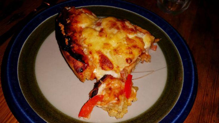 Utmärkt recept på Pan Pizza deg, lite som Pizza Hut! EmanuelHenrysson.se, En personlig blogg med reflektioner om allt möjligt av mig Emanuel från Småland, Sweden. Inte bundet till något speciellt tema. Skriver när jag vill och om vad jag vill. Här kan du finna tips om internet, säkerhet, resor, sporter, fiske och allt möjligt faktiskt!