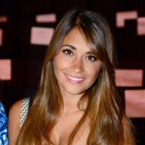 10. Antonella Roccuzzo es la novia de Messi y la madre de Thiago.