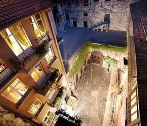 Sogno di Giulietta in Verona Italy, Romantic Romeo & Juliet