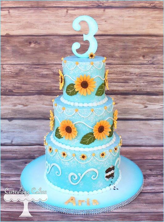 Frozen Fever cake I think this is my favorite...just like sunflowers and piping