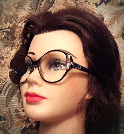 Je viens de mettre en vente cet article  : Monture de lunettes Dior 75,00 € http://www.videdressing.com/montures-de-lunettes/dior/p-5727077.html?utm_source=pinterest&utm_medium=pinterest_share&utm_campaign=FR_Femme_Accessoires_5727077_pinterest_share
