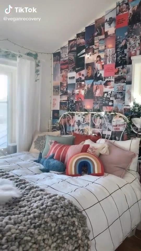 Aesthetic Room By Veganrecovery On Tiktoktrick La Ayuda Nufactured Ejemplos Pour Decoracion Delete Hogar Retro Bedrooms Bedroom Makeover Aesthetic Bedroom