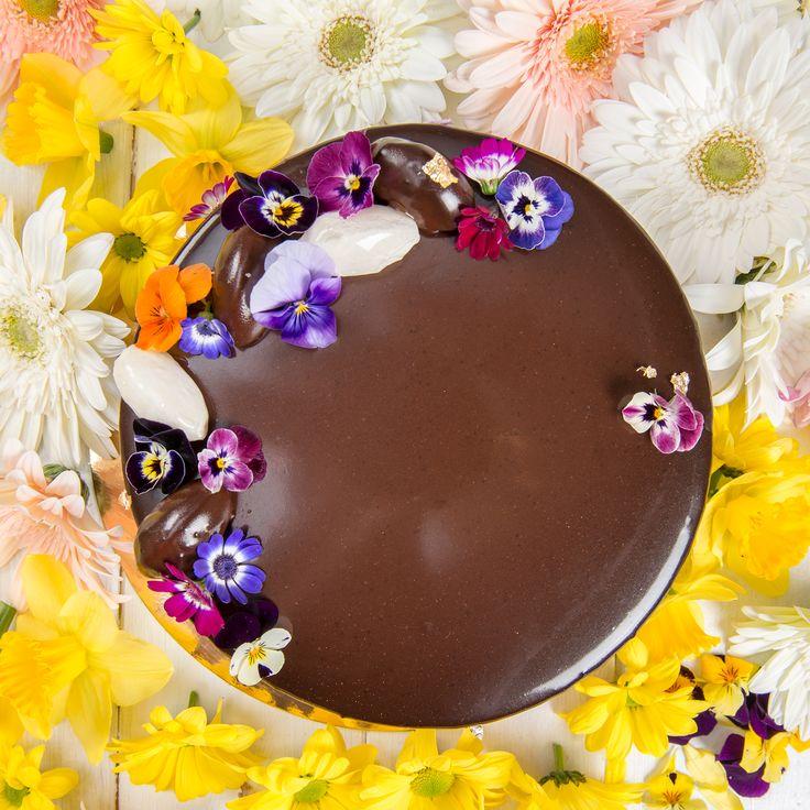 Design delicat și gust delicios, rețeta ideală pentru un tort reușit. El este Bergamot Mousse