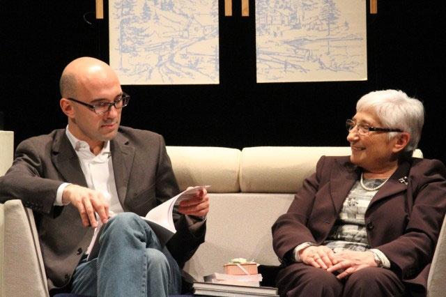 Michele Tavola Assessore alla Cultura, Politiche giovanili e Sport con la direttrice de La Nostra Famiglia Carla Andreotti