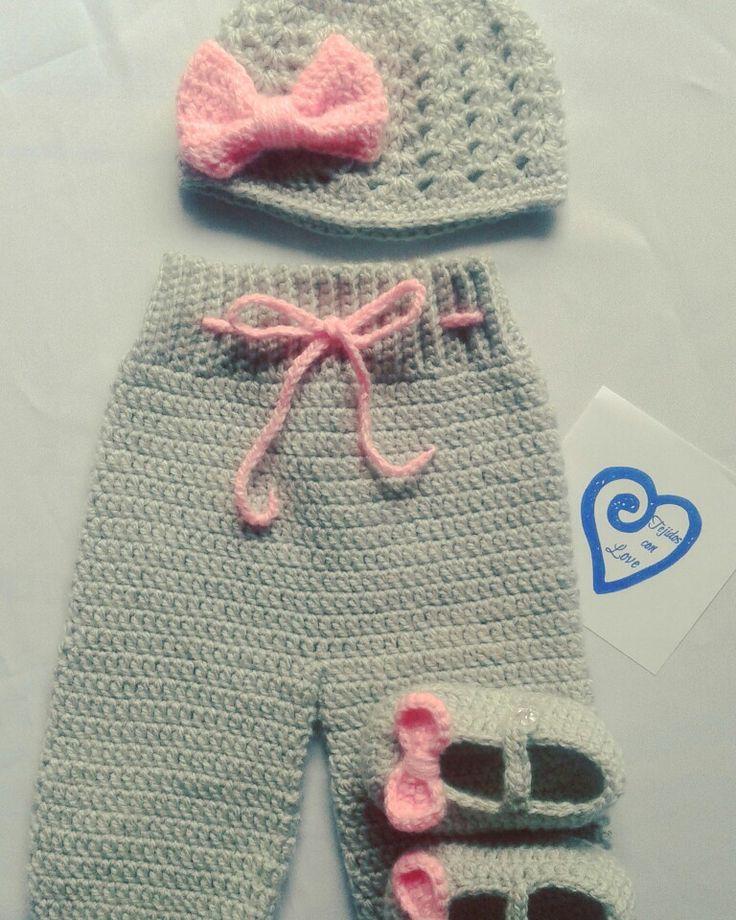 Conjunto Gorro Pantalon y Zapatos!!! www.facebook.com/tejidosconloves