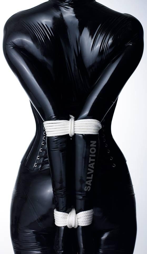 Девушка в латексе связанная ремнями, гинекологический осмотр русский порно видео