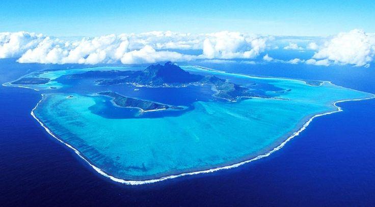 Rüya adaları: Fransız Polinezyası   Ülke, 18 ada ve mercandan oluşuyor. Bu adalar içerisinde en önemlisi ve nüfus yoğunluğunun fazla olduğu ada Sosyete Adaları. Fransız Polinezyası'nın başkenti Papeete de bu adada yer alıyor. Büyük Okyanus'un tam orta yerinde denize dağılmış haldeki 118 küçük ve volkanik adaların ve atolün... http://www.xn--yoldaym-wfb.com/ruya-adalari-fransiz-polinezyasi.html  #Adaları, #Fransız, #Polinezyası, #Rüya