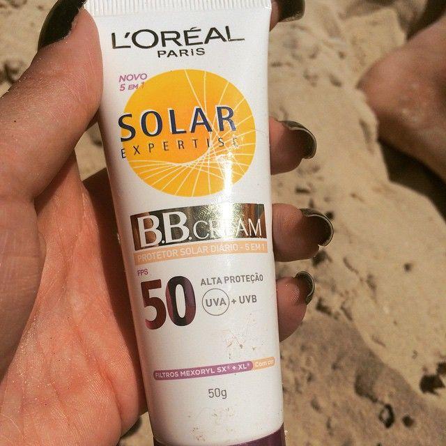 Amei esse #BBcream da @lorealparisbrasil ! Como não pego sol no rosto de jeito nenhum, foi um achado para igualar a cor com o corpo! ?☀️ deixa a pele uniforme e tem FPS50! ? virou queridinho da necessérie ✨ #beach #summer #loreal #solarexpertise #cútis #sun #skin #JurerêInternacional #ferias #blog #CabelosLindos ??