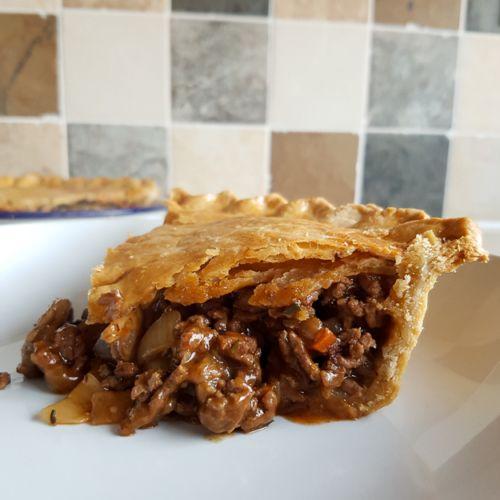 Recipe: Homemade Minced Beef and Mushroom Pie - Eat ...