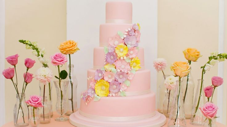 Five of the Best: Floral Wedding Cakes | Ideal Bride Magazine
