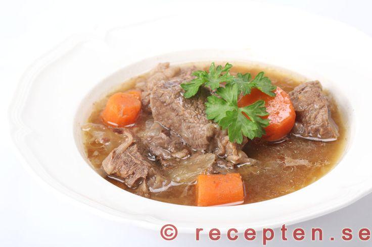 Kalops - Recept på kalops - en köttgryta med god smak! Köttet blir mört och saftigt. Bilder steg för steg.