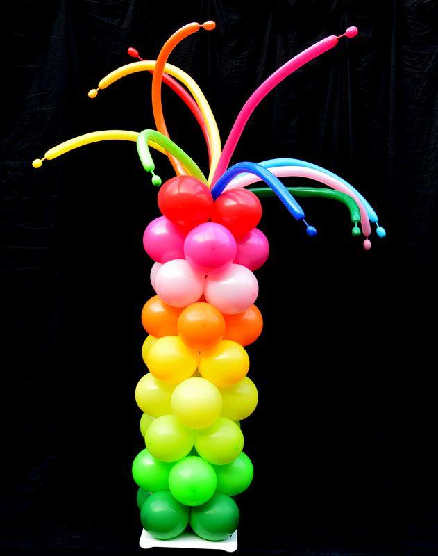 Ballon pilaar feest - feestelijk ballonpilaar met vrolijke afwerking met moduleerballonnen. Leverbaar in verschillende hoogtes. #ballondecoratie #ballonnen