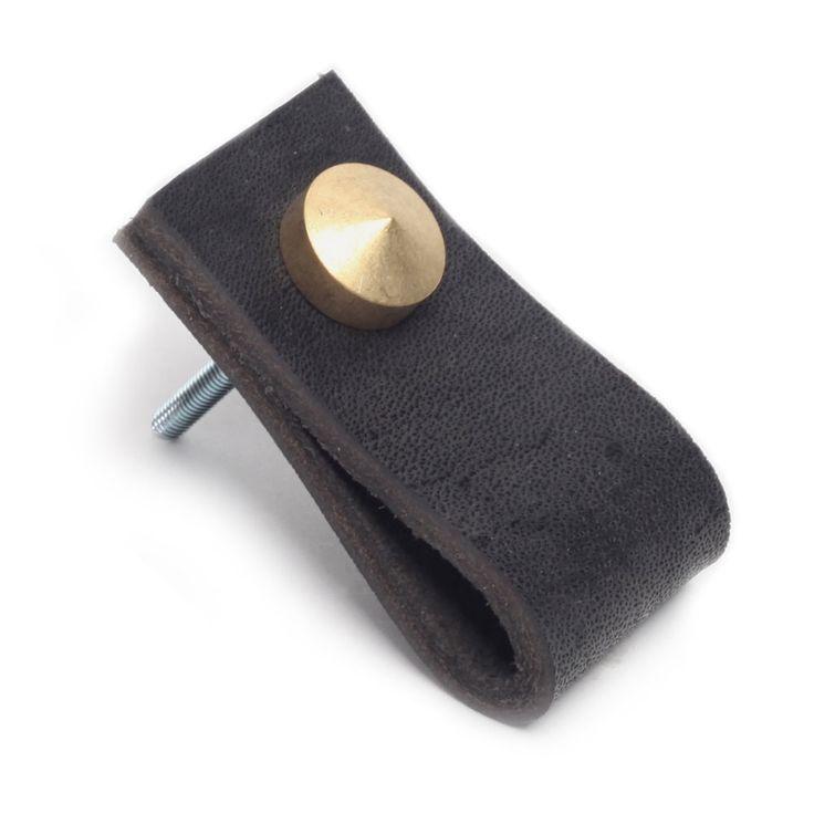 Stijlvolle leren lus als handgreep voor op kastjes of lades. [dik, zwart, natuurlijk leer] | €9 p/st #leer #leder #leather #stijlvol #stoer #knop #greep #handgreep #handvat