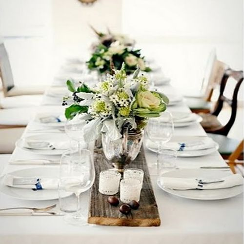 Just the right touch of rustic and elegant! (and so inexpensive to duplicate!!)