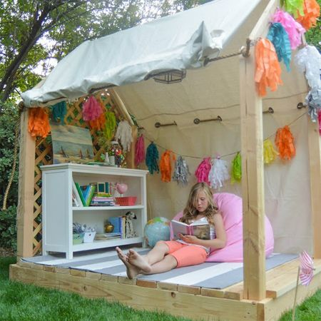 Reading playhouse wendy house corner for outdoor kids