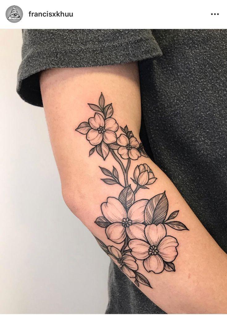 Hartriegel blüht botanische Tätowierung – Tattoo Platzierung