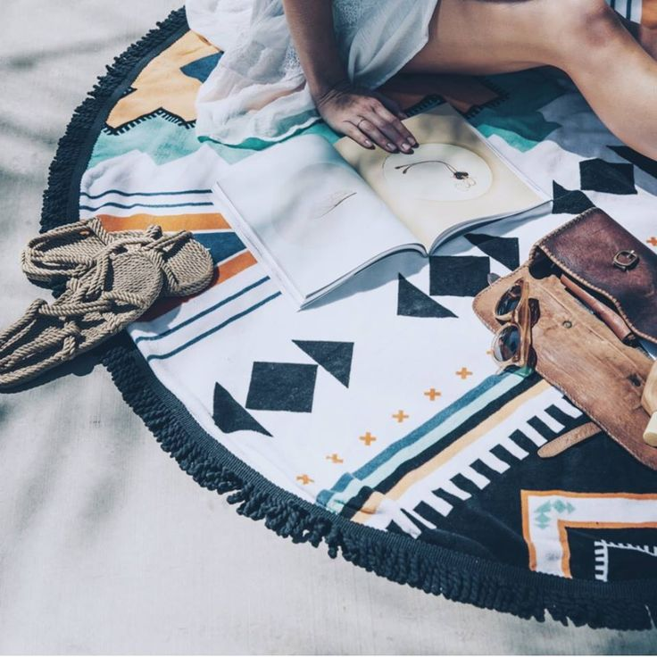 Hanging out under the shade of a palm tree with our Limited Edition Palm Springs Roundie #thebeachpeople