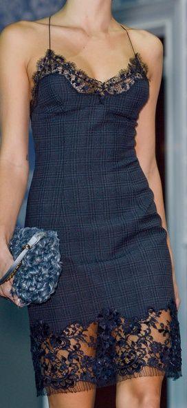 Louis Vuitton Love the extra-long lace edging!                                                                                                                                                                                 Mais