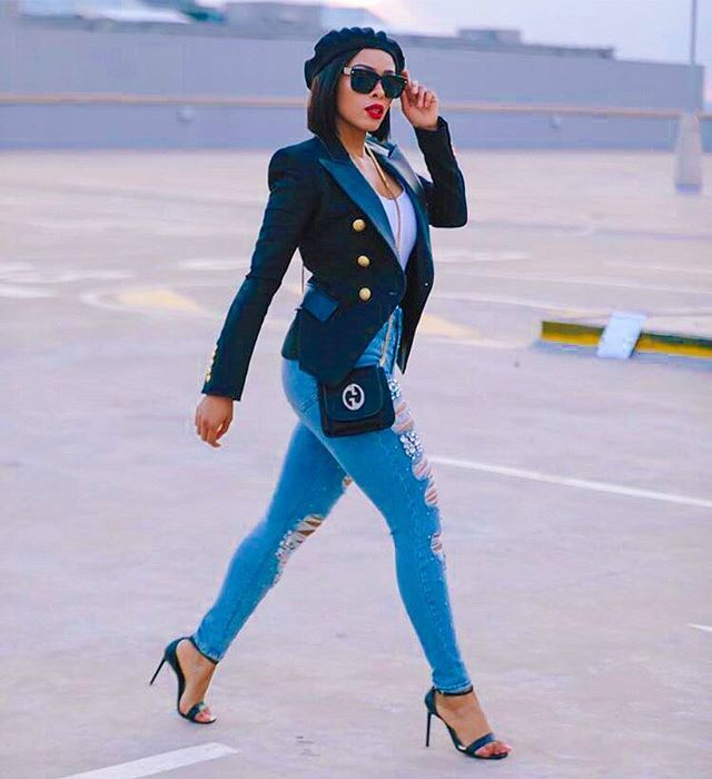 WEBSTA @kefilwe_mabote 1st Day strutting to the @safashionweek like 🏃🏽♀️💁🏽. 📸 @Everydaypeoplestories