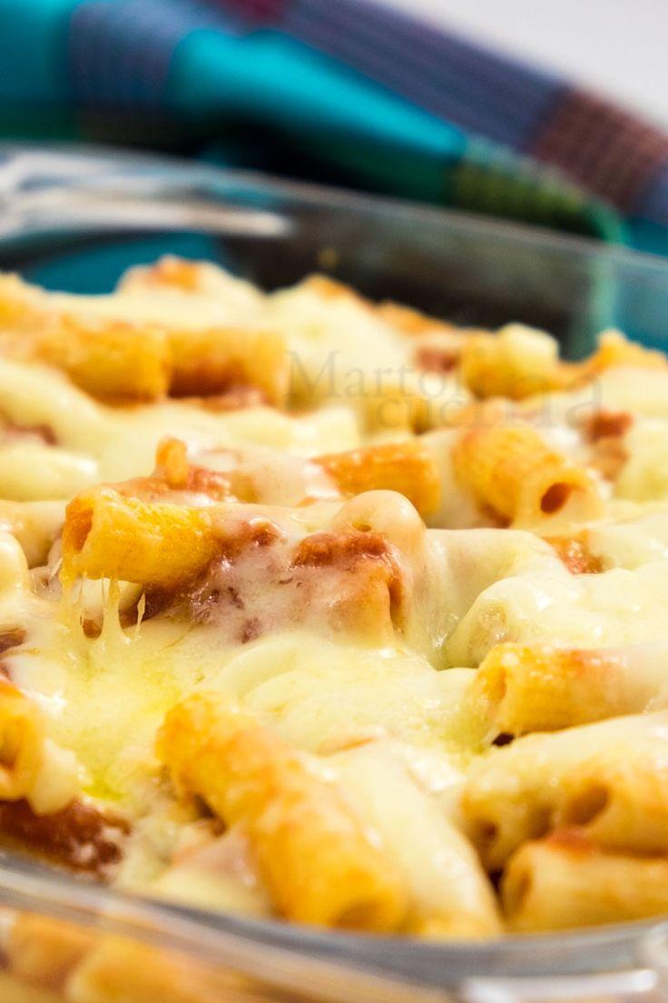 PASTA AL FORNO ALLA PIZZAIOLA #pasta #pizzaiola #origano #mozzarella #pomodoro #forno #pastaforno #primo #ricettafacile #primofacile #ricettaveloce #primoveloce #bambini #ricettabambini #ricettavegetariana #bambini #ospiti #ricettapasta #ricettaprimo