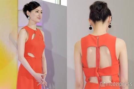 「栗山千明 ドレス」の画像検索結果