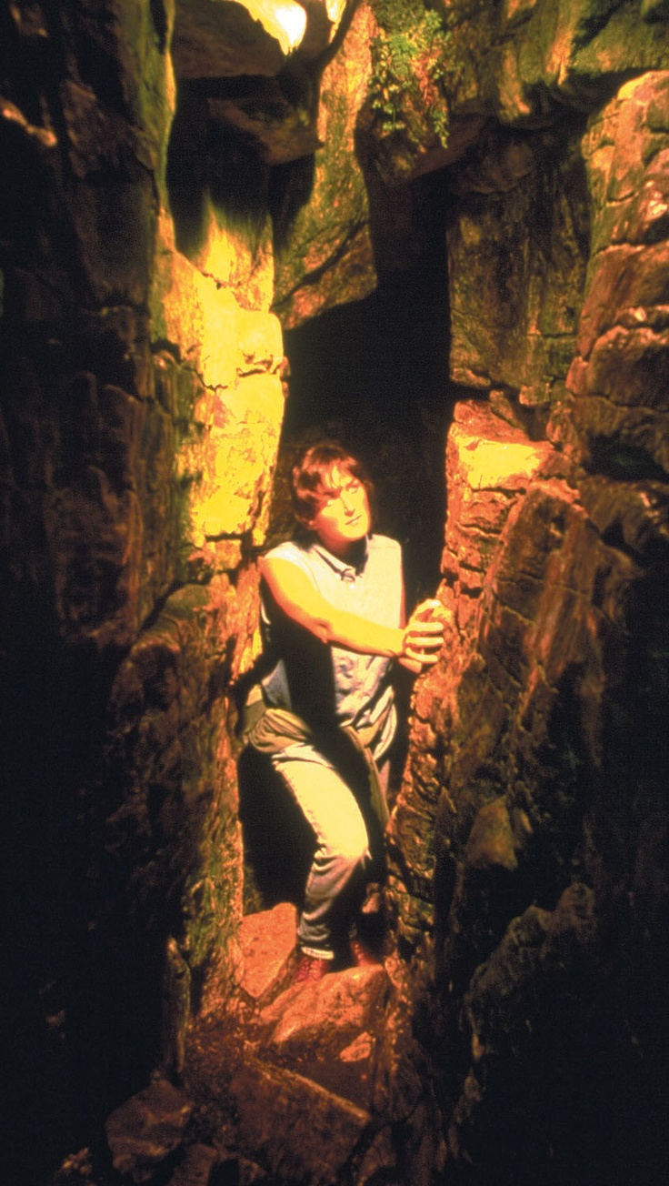 Try exploring scenic caves as the warm weather rolls in. For the full blog post: http://summerfunguide.ca/blog/warmer-weather-is-around-the-corner/ #summerfunguide #thingstodoinontario