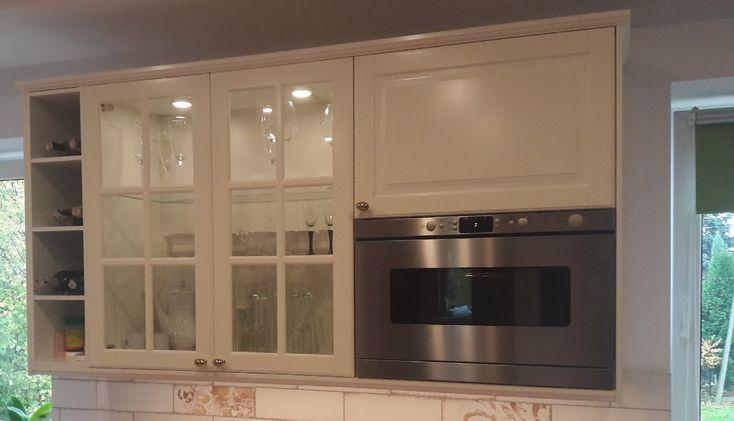 kremowe fronty BODBYN w kuchni IKEA Metod