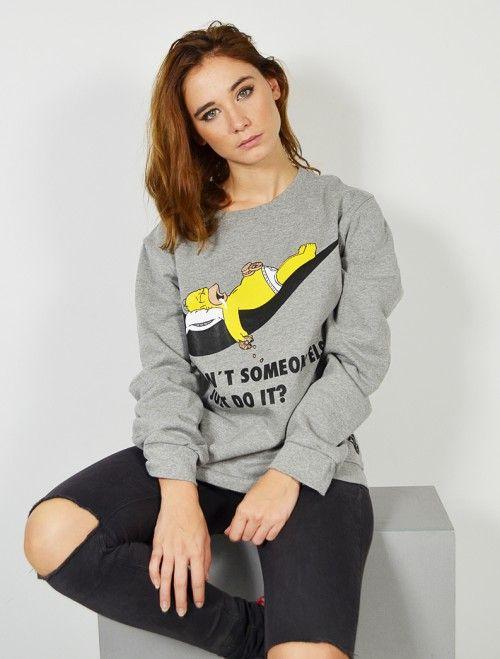 Es hora de descansar!! Lo dice tu sudadera! Sudadera gris Homer Simpson siesta. Compra online las últimas tendencias en sudaderas y moda joven y casual para mujer y chica joven a los mejores precios. #modajoven #tiendaonline #tiendajoven #urban #shop #online #camisetas #simpsons