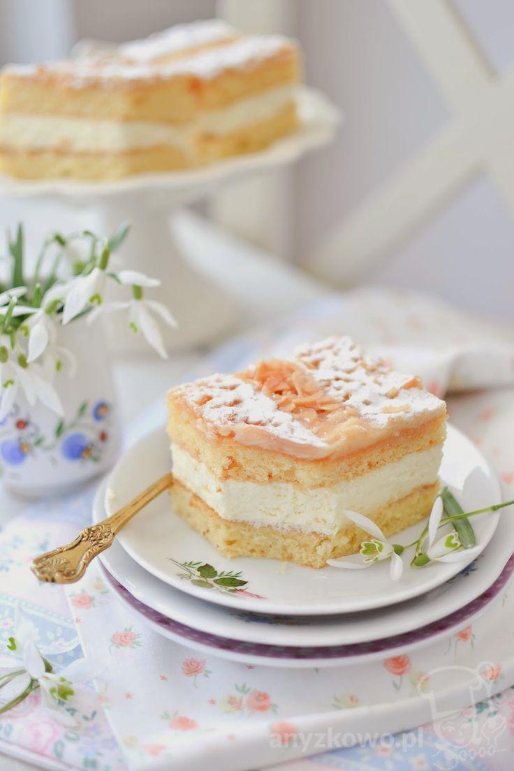 Honey Cake with Almonds   Miodowe ciasto z migdałami (in Polish)
