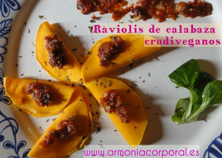 Raviolis de calabaza con queso crudivegano