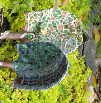 Now I have seen it all!!!  Mosaic shovels!  Great way to use old tired looking shovels to give them new life!!!