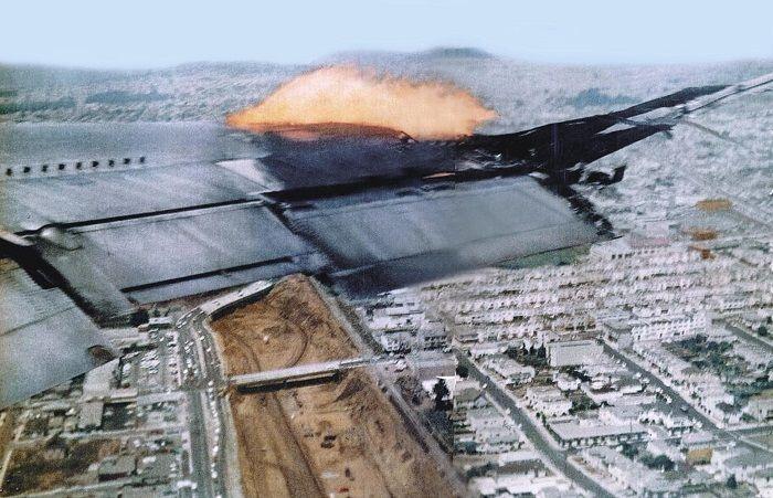 En 1965, el vuelo 843 de Pan Am perdió una turbina y un tercio del ala tras el despegue del aeropuerto de San Francisco con destino a Honolulu.   Tras un exitoso aterrizaje de emergencia en la base Travis de la Fuerza Aérea, otro avión similar fue despachado para recoger a los pasajeros. Al momento de aterrizar este segundo avión, colapsó el tren de aterrizaje delantero, todo ello a la vista de los pasajeros que esperaban la nave para poder retornar a San Francisco.