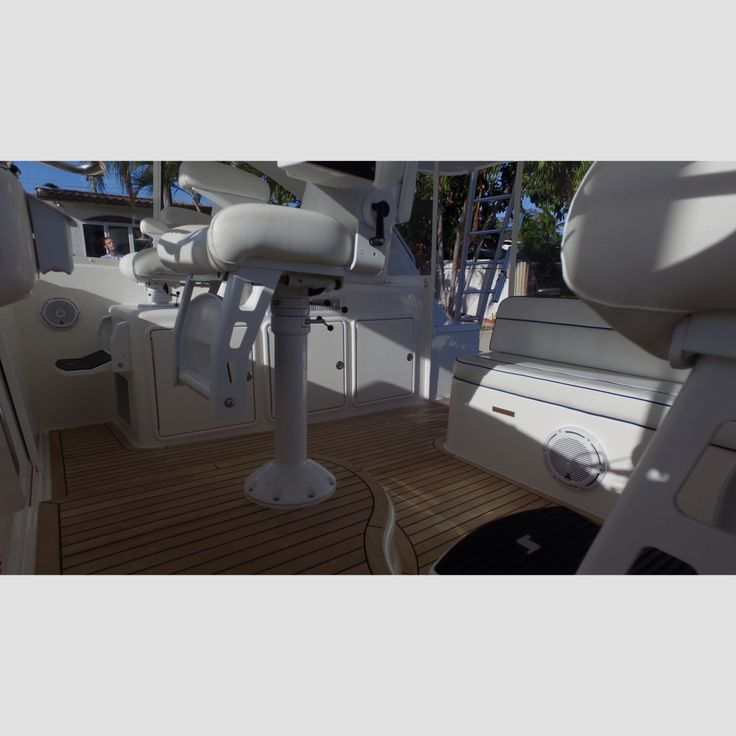 45 Cabo expressAnother shot of our @jlaudioinc install#jlaudio #jlaudioinc #caboyachts #cabo45 #caboexpress #thatview #audio #marine #simple #clean #vikingyachts #hatterrasyachts #bertramyachts #prestigeyachts #ferrettigroup #miorayachts #offshore #thursday #boats #azimutyachts #centerconsoles #sportfishyachts #sportyachts #boatshow #marine #luxury #audiospecialists #audiomarine  Repost from our friends @audiomarine