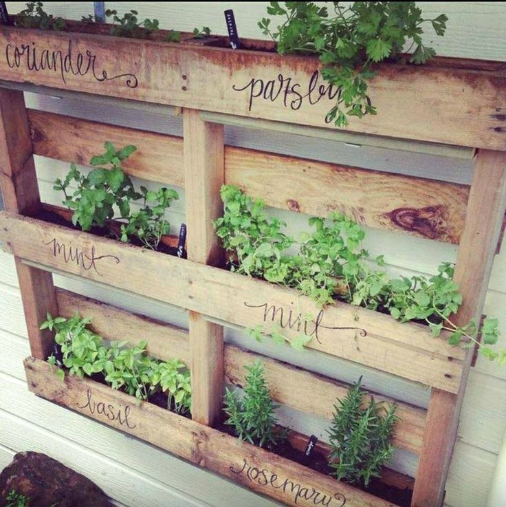 Recycled pallet planter on www.moralfibres.co.uk #herb_garden_decking