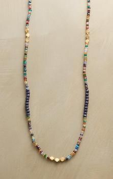 Inspo for simple one strand color combo beaded necklace.