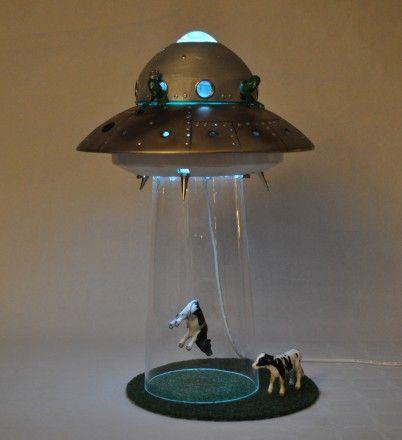 UFOLAMPE - www.artbypeo.com