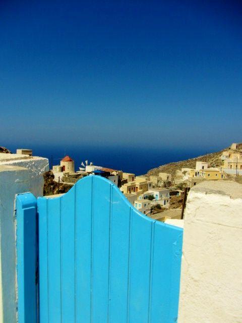 Cancello di Olympos. #karpathos #Olympos #Colours #Greece #gate #blue