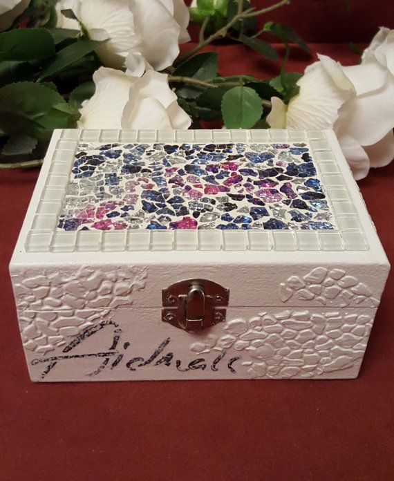 Lovely crackle mosaics jewellery box от HandmadeGiftsByOlga