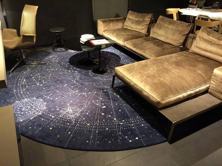 Tapis Celestial – MOOOI Design Eduard Van Vliet Dim : Ø350cm  Prix : 2 677€ TTC SOLDE - 25% = 2000,00 € TTC