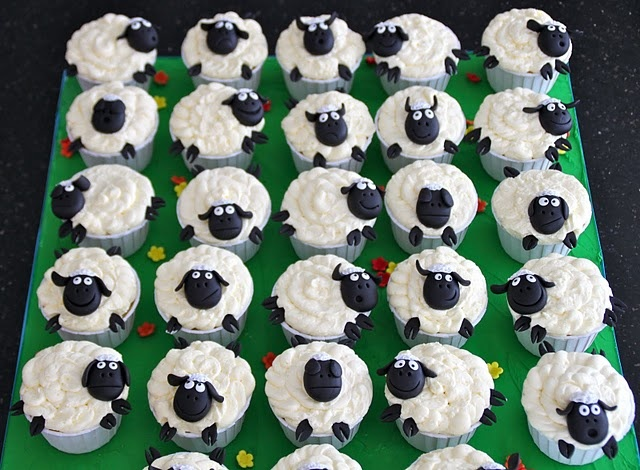 How cute are these sheep?? :)