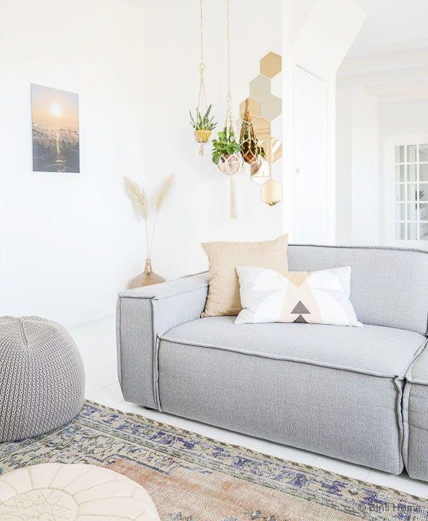 25 beste idee n over grijze banken op pinterest grijze bank decor lounge decor en woonkamer - Grijze hoofdslaapkamer ...