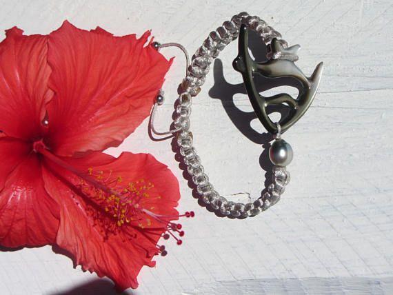 Bracelet femme Perle de Tahiti et Nacre gravée en poisson du