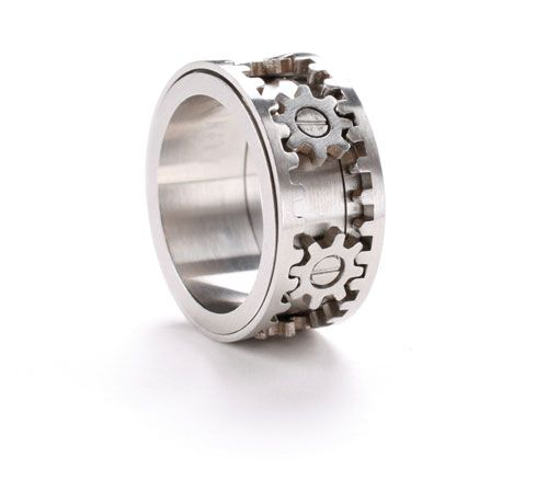Gear Ring by Kinekt Design. It moves! Gotta get this for my man