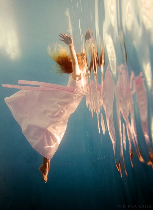 """(I'm pretty sure one of the photos from this shoot was turned into the cover for """"Imaginary Girls"""" By Nova Ren Suma (and I hope I got her name right!) Elena Kalis - underwater photography  - PHabulous"""