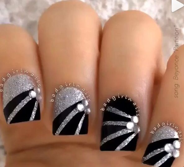 Silver nails with matte black stripes